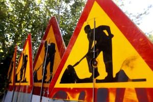 Vägarbete begränsar trafiken på E4 – körfält stängs av