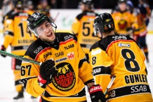 """Komarek kan hamna i KHL: """"Vi har långtgående samtal"""""""
