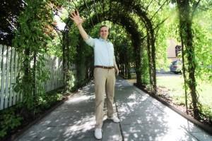 Operasångaren fick sjunga hemma - bad grannar om ursäkt