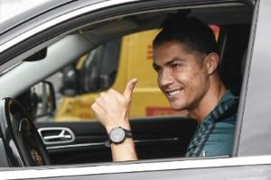 Ronaldo spränger miljardgränsen