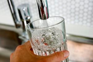 Utbyggd vattentäkt riskabelt nära giftområde