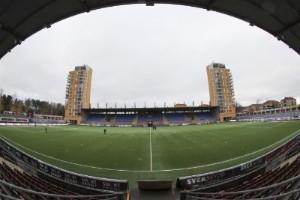 Fans jagar balkongplats inför fotbollspremiär