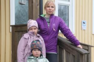 """Föräldrar vägrar betala faktura för barnomsorg: """"Det är under all kritik"""""""