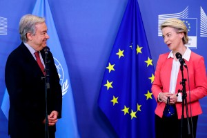 FN-bas och hbtq-strid på toppmöte
