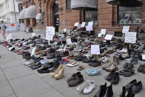"""450 par skor protesterade mot jättebygget: """"Är orimligt"""""""