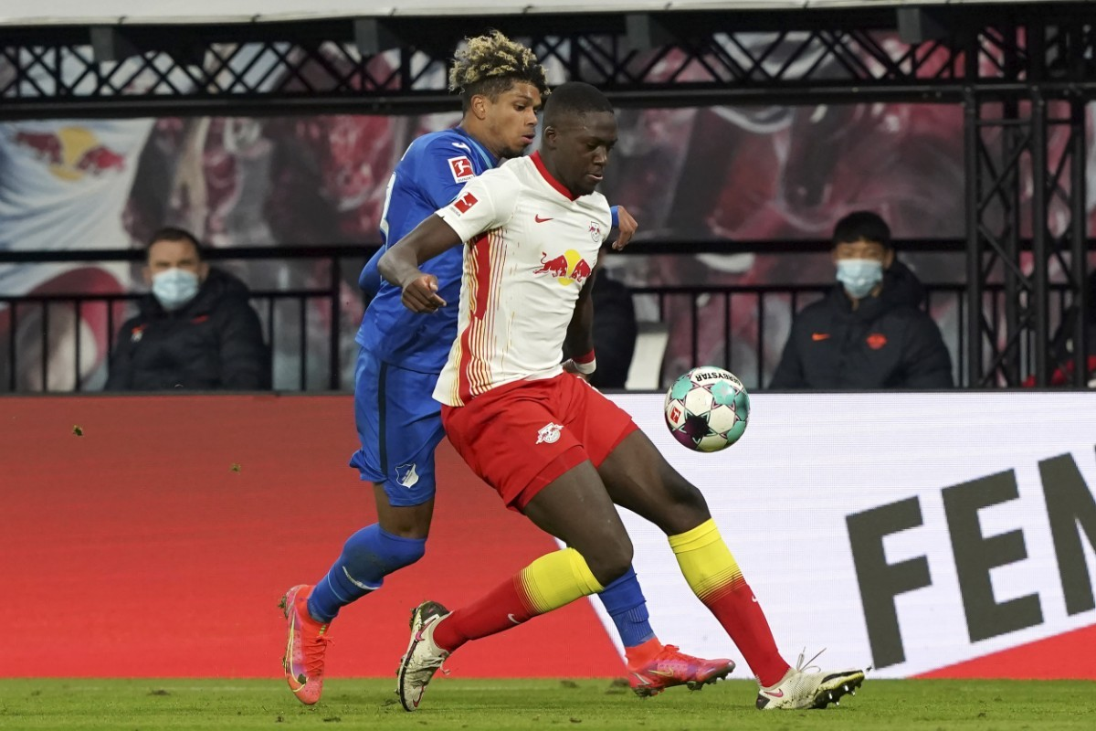 Liverpool värvar back från Leipzig