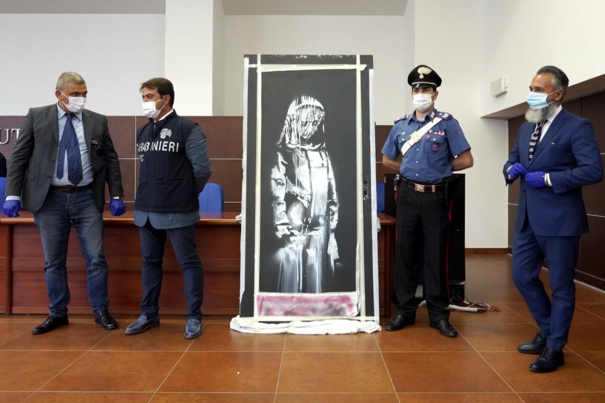 Stulet Banksy-verk tillbaka till Frankrike