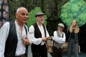 Teaterpremiären blir av som planerat i sommaren – har repeterat digitalt under våren