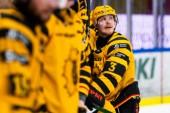 """Burström om att lämna AIK: """"Lite förvånad blir man"""" • Öppnar för utlandet • Spelade skadad: """"Inte den enda"""""""