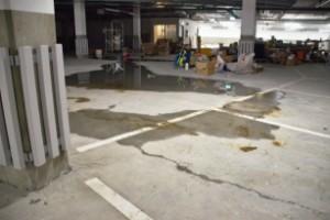 """Arbetet i garaget i 600-miljonerskolan står stilla: """"De har bara lämnat allt"""""""