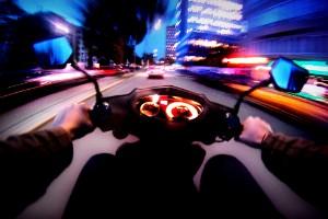 Efter mopedgängets provokationer i Skellefteå: 17-åring åtalas för brott