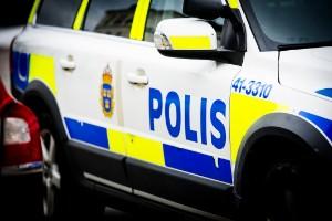 Misstänkt för mordförsök på polis omhäktad