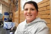 Hockeytokiga Melker, 10, är både spelare och tränare i Sudret hockey
