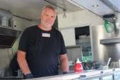 Räddningen: Han tar matvagnen till kvarteret