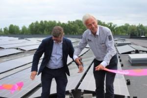 """Svedahl invigde solceller: """"Det blir framtidens tak"""""""
