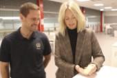 Vania fick unik medalj på sista gymnastikmötet