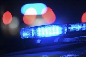 Polisen söker med hundpatrull efter föraren