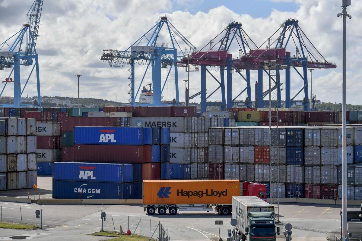 Varuexporten från Sverige föll i fjol