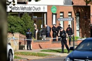 Politiker knivhuggen till döds i kyrka