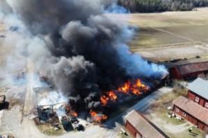 Brand spred sig – fem byggnader brann ner