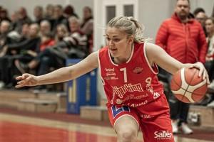 KLART: Lisa Bolander förlänger med Uppsala Basket
