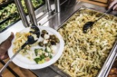 Gymnasieelever får fixa lunchen själva