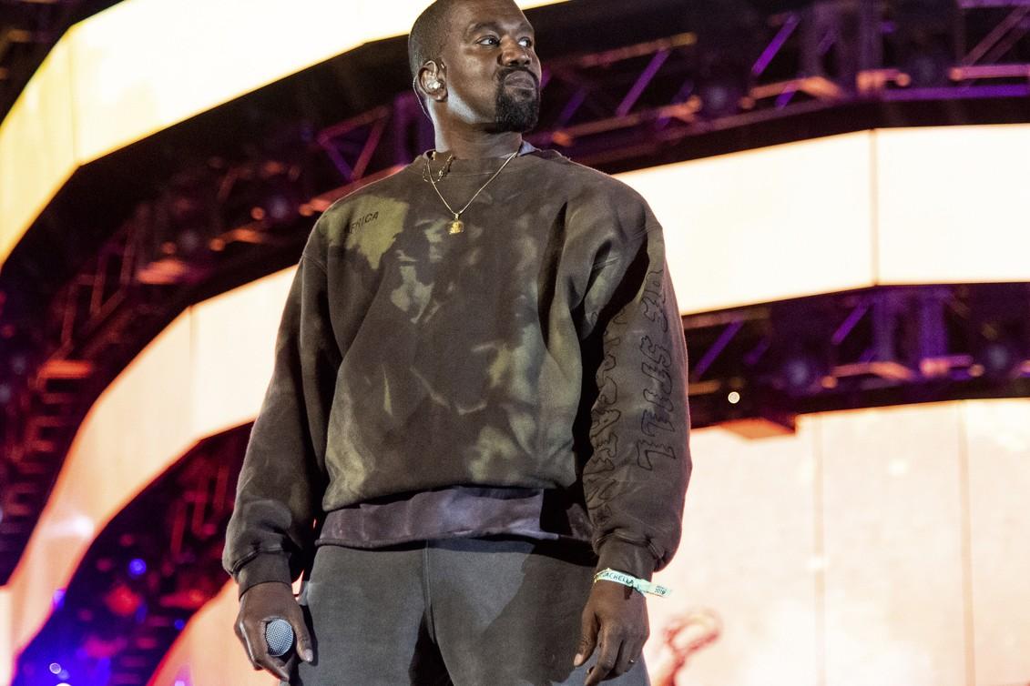Kanye West släpper ny låt – mamman medverkar