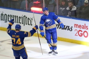 Olofsson bakom Buffalos seger