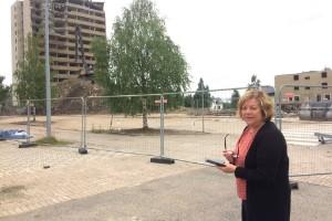 Nu rivs Malmbergets landmärke • Folk vallvärdar för att få en sista glimt av Focushuset