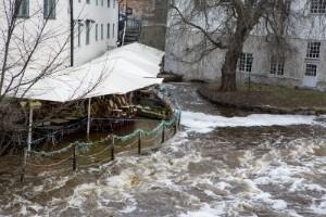 Riskfyllt att bo vattennära: En fördel nu – kan bli en nackdel sen