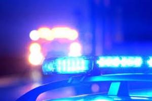 Sex ungdomar flydde till fots efter biljakt