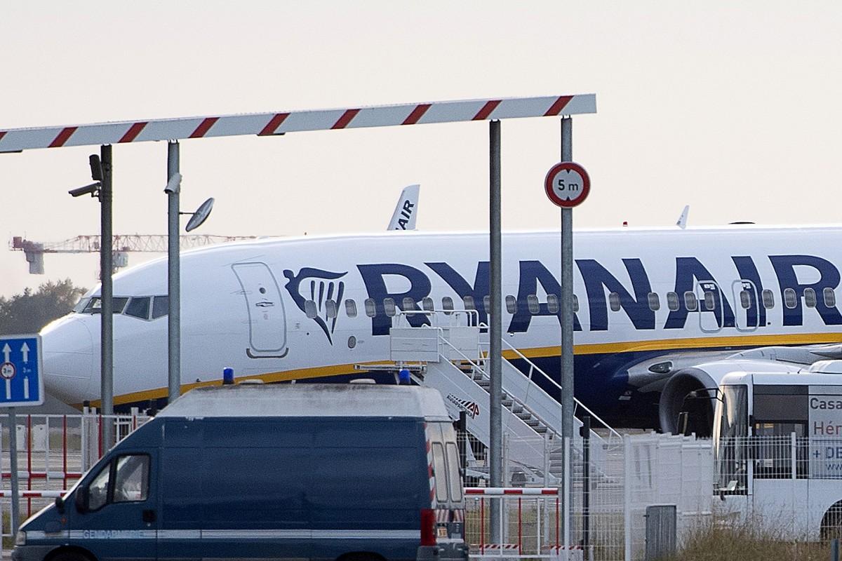 Ryanair: 40 procent flygningar igång i juli