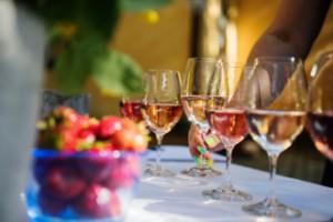 Klusterutbrott efter vinprovning med 85 deltagare – ett 20-tal insjuknade