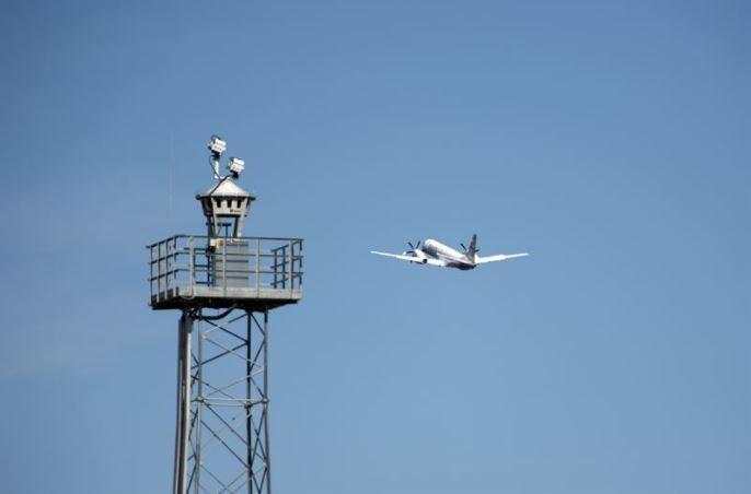 Fler flygplatser får digital flygledning från Saab