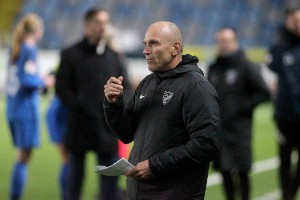 Kontraktet klart – då kan succétränaren bli kvar i IFK