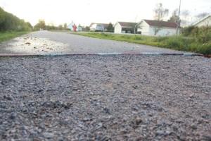 """Cykelbanan uppgrävd i ett år • Målillabor vittnar om flera olyckor • """"Det är rent livsfarligt"""""""
