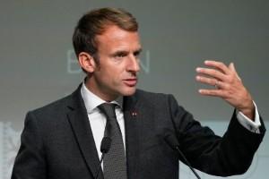 Macron vill ha kompensation för ubåtsaffär