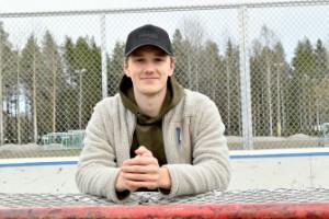 """Berglund kvar på hemmaplan – efter visumproblem: """"Planen var att sticka direkt – men de tar knappt emot folk"""""""