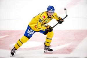 Berggren matchens lirare - skänkte prischecken till ESK