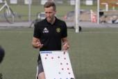 """VFF-tränaren kritisk mot insatsen: """"Inte alls bra"""" • Nyckelspelaren utvisad"""