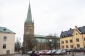 Centralisering ingen lösning för kyrkan