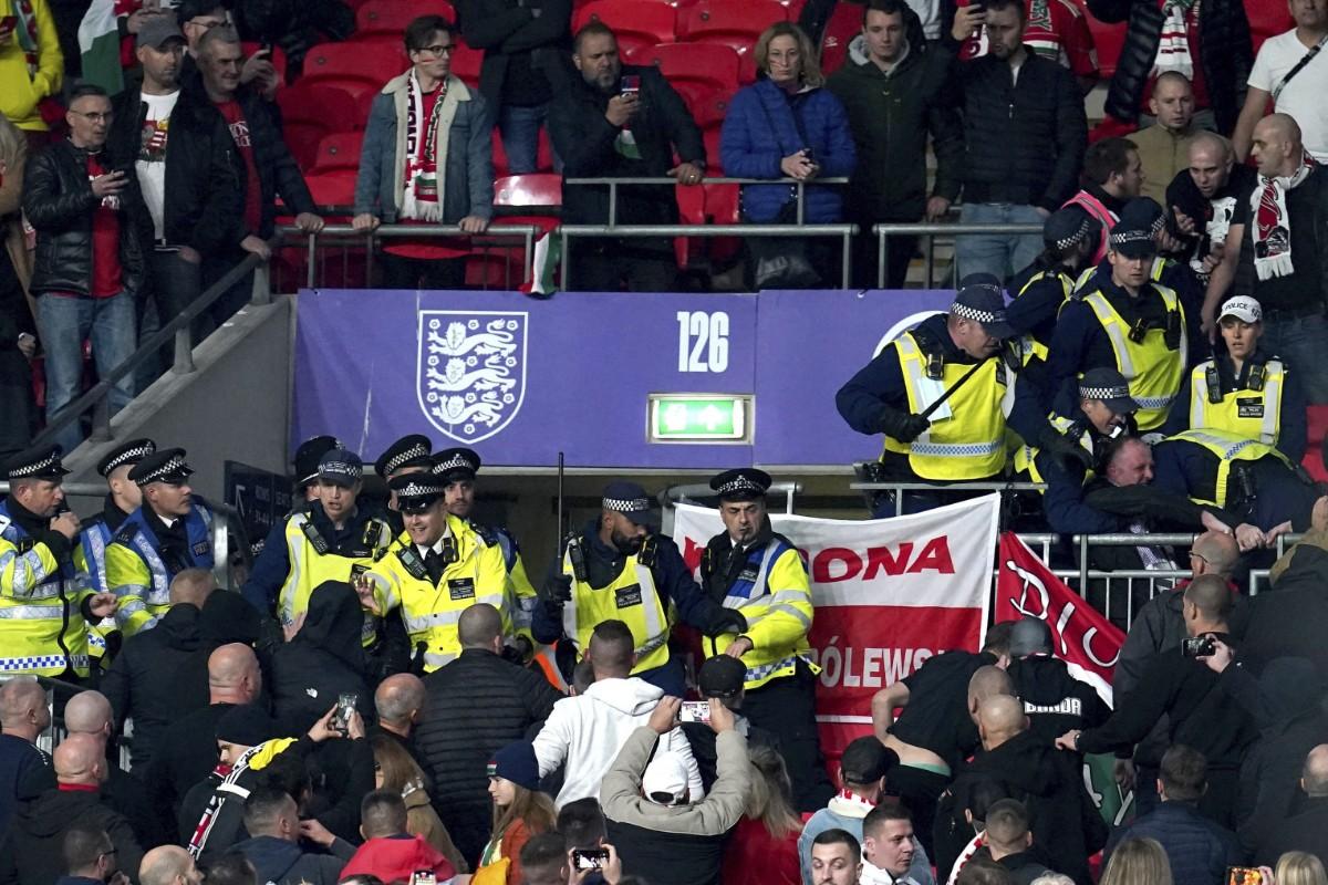 Fifa utreder skandalscenerna på Wembley