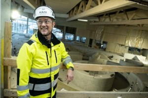 """Unik tjuvtitt på nya simhallen – följ med in i jättebygget:  """"Det blir en fantastisk anläggning"""""""