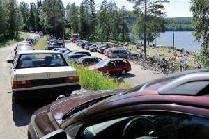 Parkeringsförbud vid Falkträsket – kommunen verkar inte bry sig