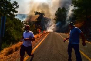 Bränder rasar i Europa – nunnekloster evakueras
