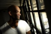 Soulartisten från Norrköping släpper flera gamla låtar med minnen