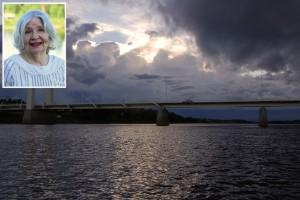 """""""Resan känns magisk när vi dundrar över broarna som skiljer Pajala och Kolari kommuner åt."""""""