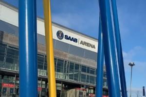 Långa köer vid Saab arena efter missbedömning av regionen