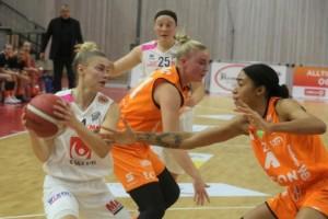 Visby Ladies tappade matchen i tredje quartern