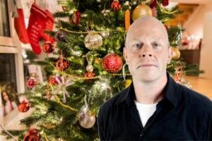 6 coronaanpassade julsånger från Jacke Sjödin